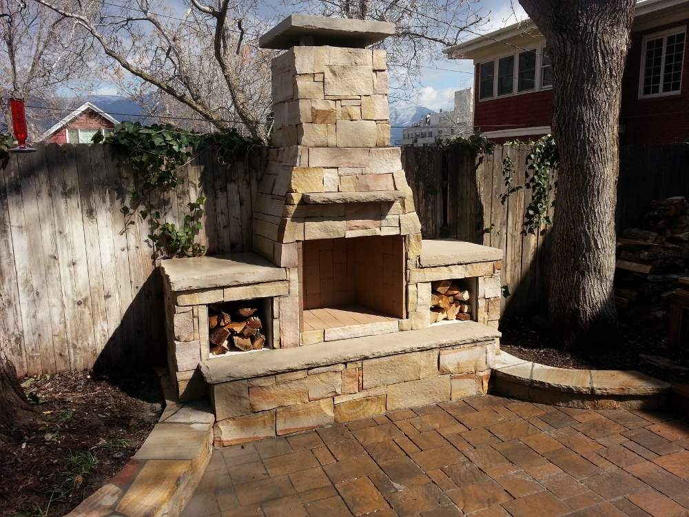 Curved fieldstone ledge sitting wall with bluestone cap google search brick houses - Houses outdoor fireplace ...